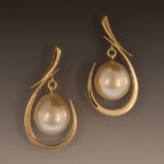 golden-pearl-earrings-1w-300276